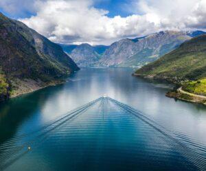 aurlandsfjord-norway_t20_ZxR7ma